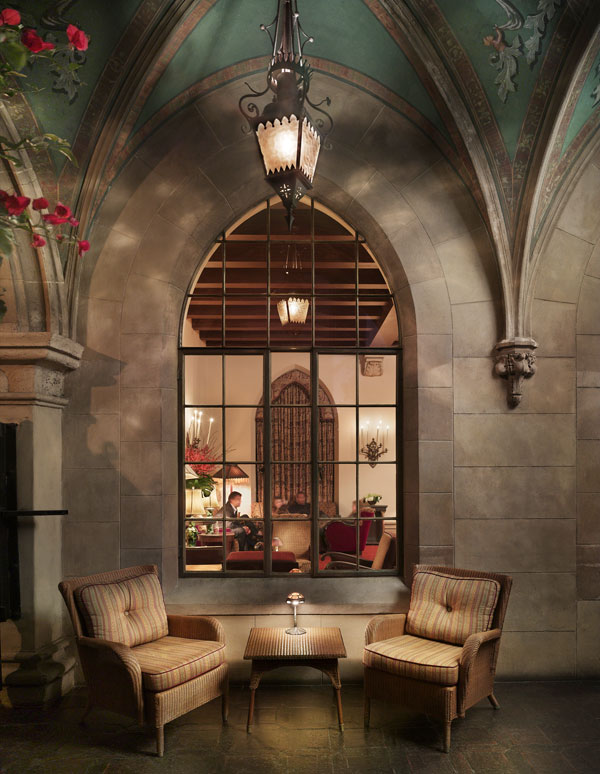 chateau-marmont_lobby-loung
