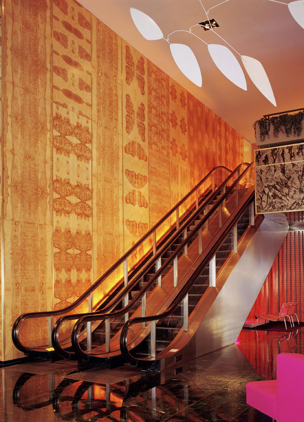 dtla_lobby_escalator_tim-st