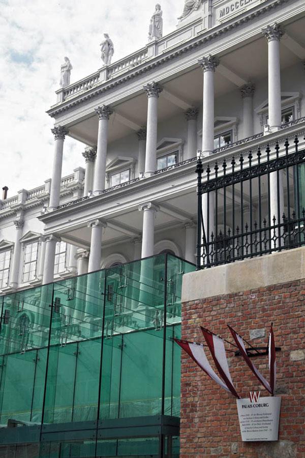 exterior_view_detail_