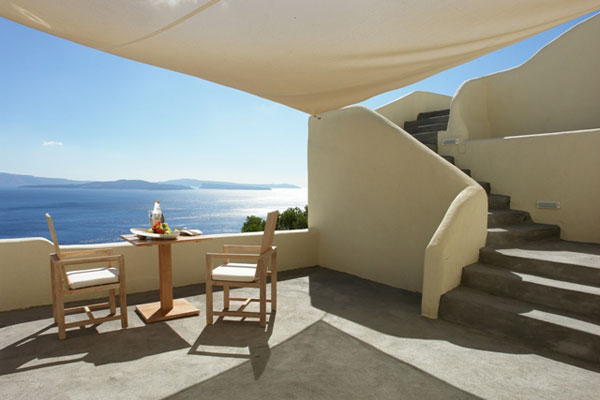 villa-balcony