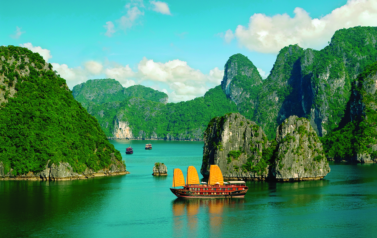 ha-long-bay-vietnam-travelmodus